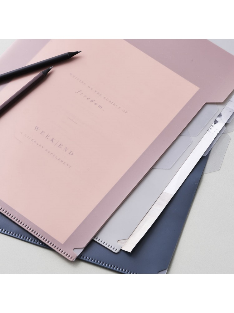 Dokumentų aplankas, A4 (šviesiai pilka, dulkiųrožė, naftos mėlyna). Monograph