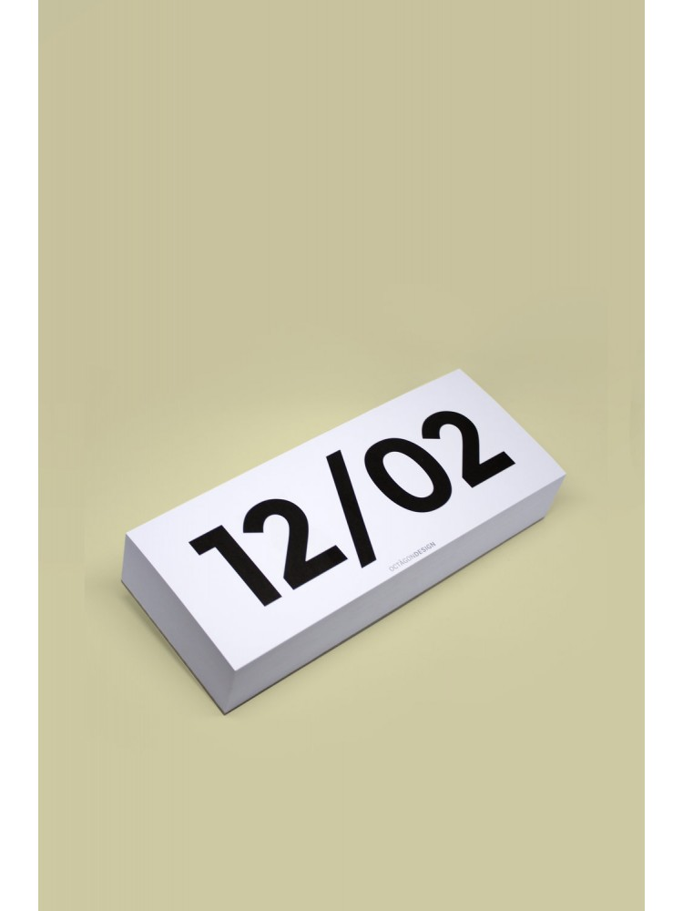 Stalo kalendorius plėšomas. Octagon